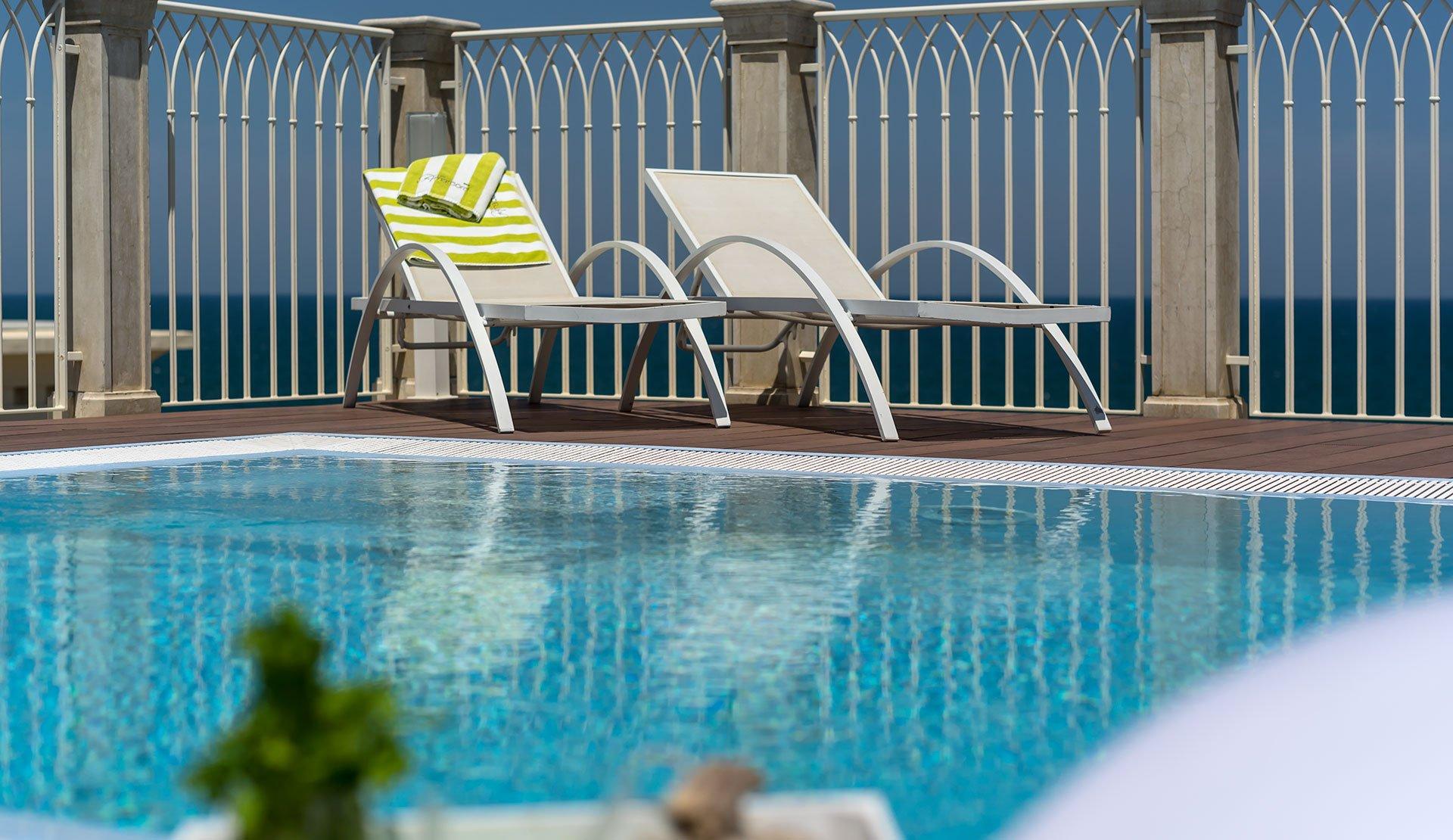 Hotel vicino al mare a misano adriatico hotel amarcord - Hotel misano adriatico con piscina ...